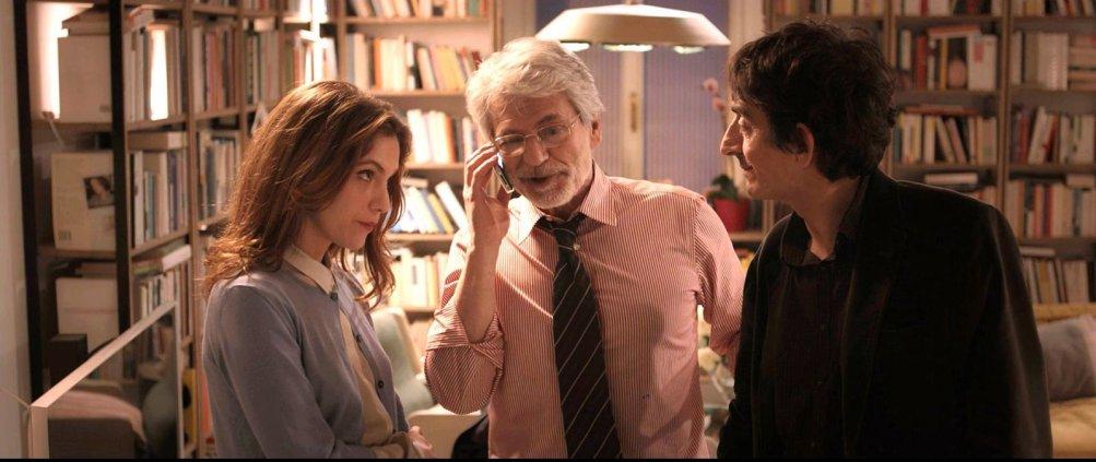 Dobbiamo parlare: Isabella Ragonese, Fabrizio Bentivoglio e Sergio Rubini una scena del film