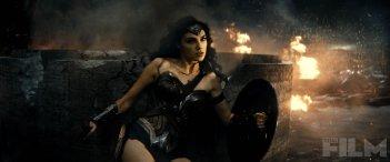 Batman v Superman: Dawn of Justice - Gal Gadot in azione