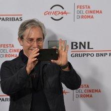 Roma 2015: Paul Weitz scherza con i fotografi al photocall di Grandma