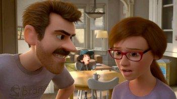 Riley's First Date: i genitori di Riley confabulano in una scena del corto Pixar