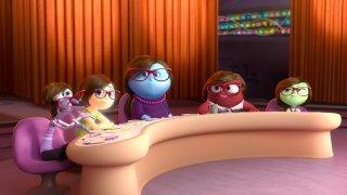 Riley's First Date: la mente della madre di Riley in una scena del corto Pixar