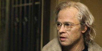 Un primo piano di Brad Pitt nel film Il curioso caso di Benjamin Button