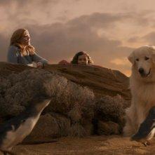 Giotto, l'amico dei pinguini: Coco Jack Gillies, Shane Jacobson e Sarah Snook con Giotto in una scena del film
