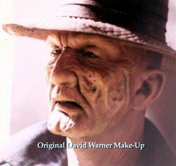 L'attore David Warner con il trucco di Freddy Krueger