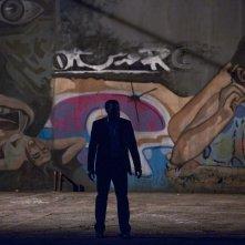 Il segreto dei suoi occhi: Chiwetel Ejiofor in una scena notturna del film