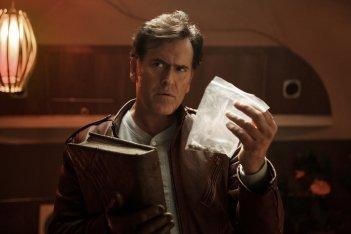 Ash vs. Evil Dead: l'attore Bruce Campbell in una foto del pilot
