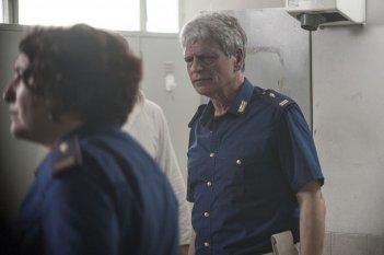 Gli ultimi saranno ultimi: Fabrizio Bentivoglio in una scena del film