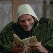 Pier Paolo Pasolini in una scena di I racconti di Canterbury