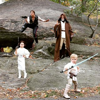 Neil Patrick Harris con David Burtka e i loro bambini ad Halloween 2015