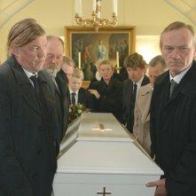 Storie di cavalli e di uomini: il protagonista Ingvar Eggert Sigurðsson nella scena del funerale