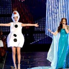 Taylor Swift e Idina Menzel a tema Frozen per Halloween 2015