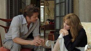 By the Sea: Brad Pitt e Angelina Jolie in una scena del film