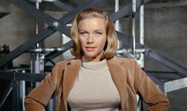 Agente 007, Missione Goldfinger: Honor Blackman è l'esuberante Bond Girl Pussy Galore