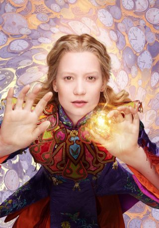 Alice in Wonderland: Through the Looking Glass - Il character poster di Mia Wasikowska