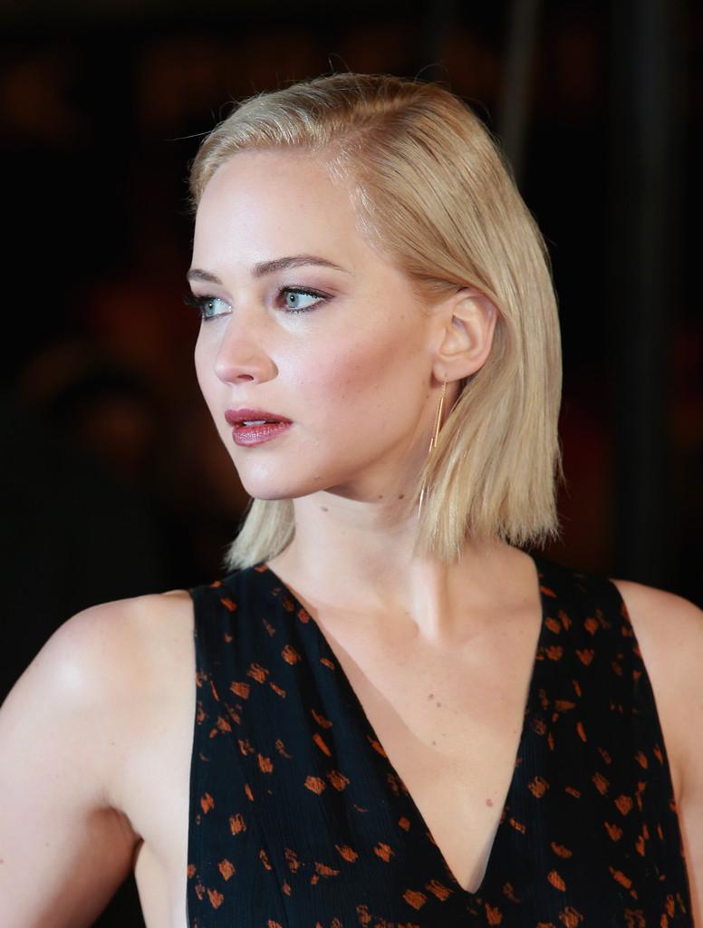 Jennifer Lawrence alla premiere di Hunger Games, il canto della rivolta parte 2 a Londra