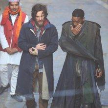 Doctor Strange: Benedict Cumberbatch e Chiwetel Ejiofor camminano sul set in Nepal