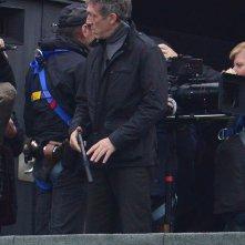 Bourne 5: Vincent Cassel sul set armato di pistola