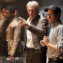 Star Wars: Il Risveglio della Forza - John Boyega, Harrison Ford e J.J. Abrams sul set
