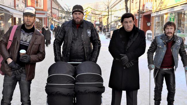 Lilyhammer:  Steven Van Zandt, Trond Fausa, Tommy Karlsen, Robert Skjærstad in una foto della terza stagione