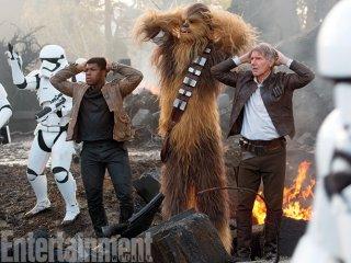 Star Wars: Il Risveglio della Forza - Finn, Chewbacca e Han Solo in un momento difficile