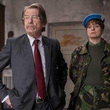 The Last Panthers: John Hurt e Samantha Morton in una foto della serie