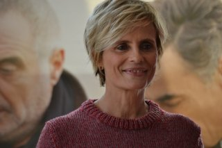 Isabella Ferrari sorridente al photocall di Uno per tutti
