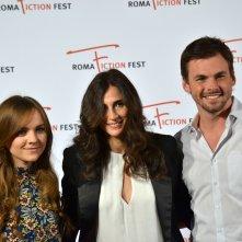 Roma Fiction Fest 2015: Michaela Watkins, Tommy Dewey e Tara Lynne Barr in uno scatto al photocall di Casual