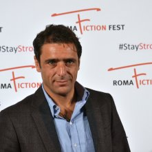 Roma Fiction Fest 2015: Adriano Giannini mentre posa al photocall di Limbo
