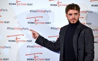 Roma Fiction Fest 2015: Richard Madden posa sul red carpet di Medici: Master of Florence