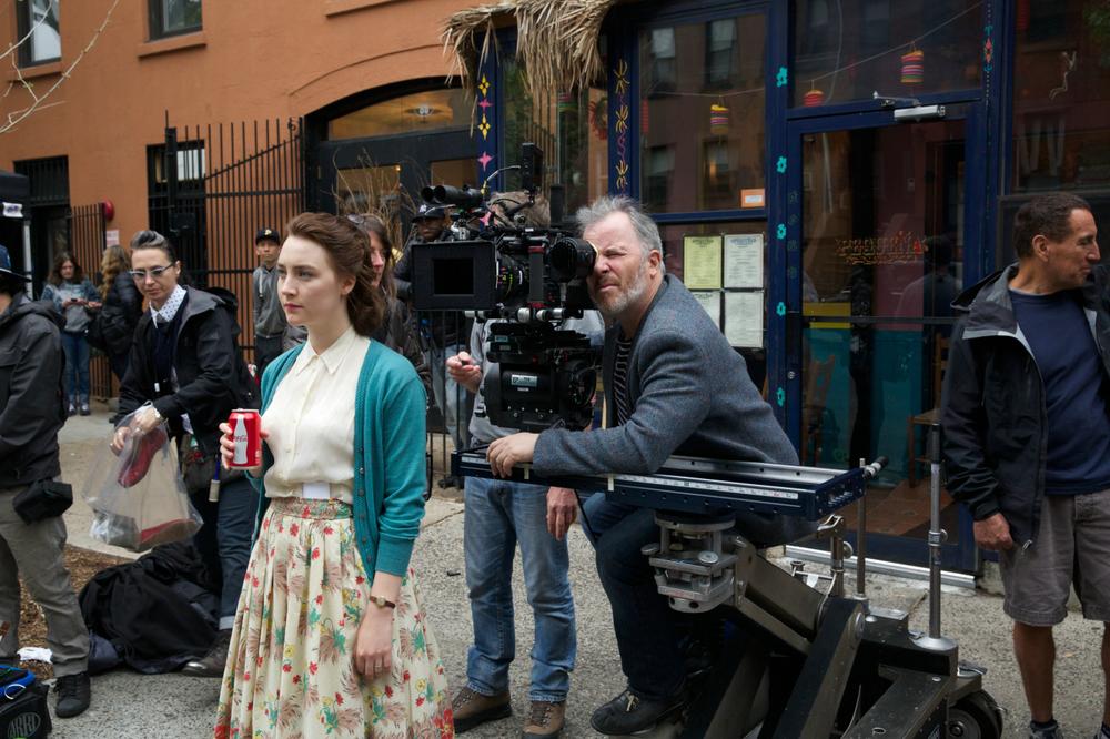 Brooklyn: Saoirse Ronan sul set del film