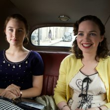 Brooklyn: Saoirse Ronan e Nora-Jane Noone in un'immagine del film