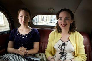 Brooklyn: Saoirse Ronan e Nora-Jane Noone in un'immagine del film