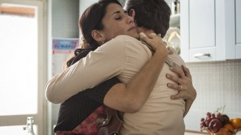 Lo scambio: Barbara Tabita e Filippo Luna (di spalle) in una scena del flim
