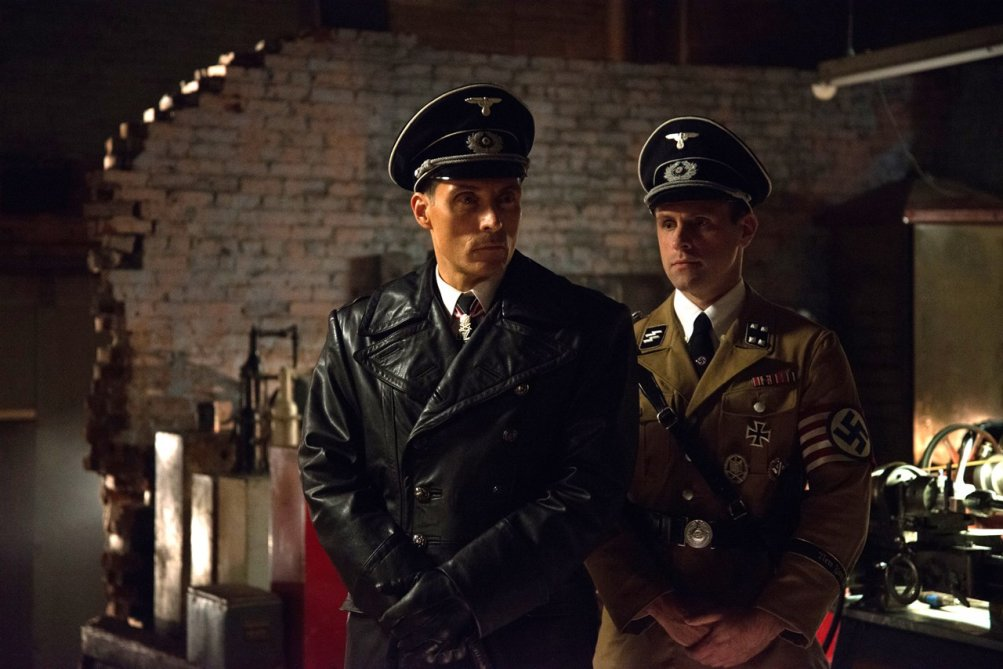 The Man In The High Castle: Rufus Sewell in un'immagine del pilot