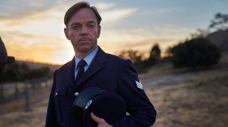 The Dressmaker: Hugo Weaving in una scena del film