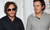 Casey Affleck dirige Joaquin Phoenix in Far Bright Star