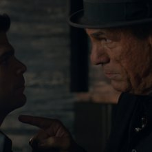 Club Life: Jerry Ferrara e Robert Davi in una scena del film