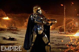 Star Wars: Il Risveglio della Forza - Gwendoline Christie in una nuova foto di Captain Phasma