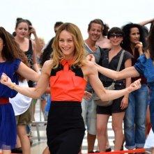 11 donne a Parigi: Vanessa Paradis balla in una scena del film