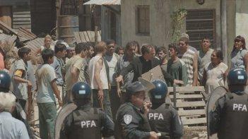 Chiamatemi Francesco - Il Papa della gente: Rodrigo de la Serna in una concitata scena del film