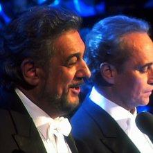 Pavarotti - Il concerto di Natale: Placido Domingo e José Carreras in una scena del film-concerto