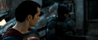 Batman v Superman: Ben Affleck e Henry Cavill in una scena del nuovo trailer