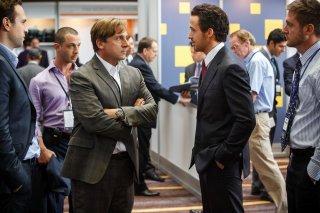 La grande scommessa: Ryan Gosling e Steve Carell in una scena del film