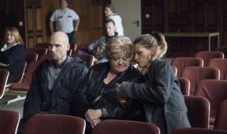 D'Ardennen: Viviane de Muynck, Veerle Baetens e Jeroen Perceval in una scena