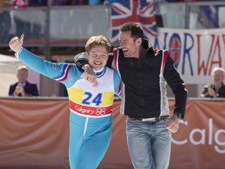 Eddie the Eagle: Hugh Jackman e Taron Egerton festeggiano la vittoria