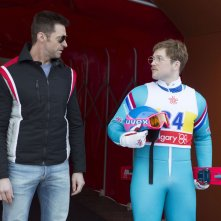 Eddie the Eagle: Hugh Jackman e Taron Egerton discutono la strategia di gara