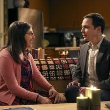 The Big Bang Theory: Mayim Bialik e Jim Parsons in un'immagine tratta da The Opening Night Excitation