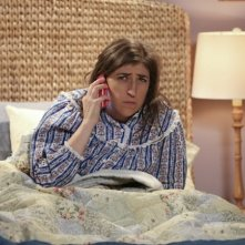 The Big Bang Theory: l'attrice Mayim Bialik in una foto tratta da The Opening Night Excitation