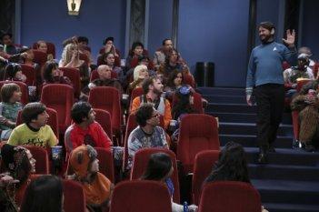 The Big Bang Theory: Simon Helberg, Kunal Nayyar, Johnny Galecki e Will Wheaton in The Opening Night Excitation