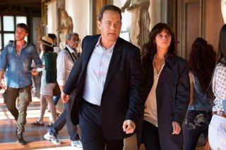 Inferno: Tom Hanks e Felicity Jones in una foto del film